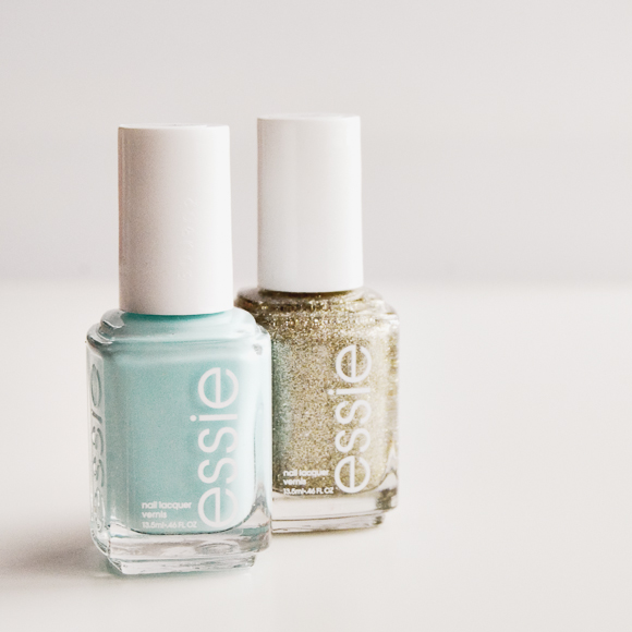 Essie Mint Candy Apple & Beyond Cozy
